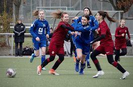 Mädchen und Damen gegen Sparta Prag